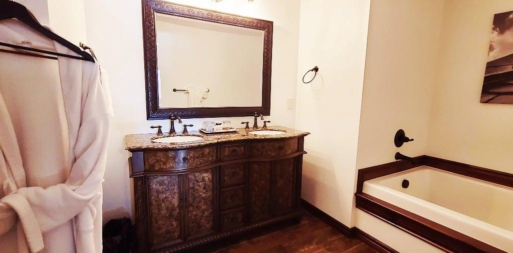 Fancy hotel bathroom