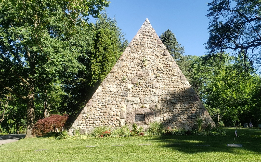 A pyramid shaped tombstone